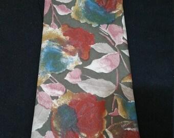 Italian Silk Necktie in Handsome Floral Pattern