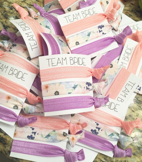 Bridesmaid hair tie favors//hair tie card//elastic hair ties//party favor//hair accessories
