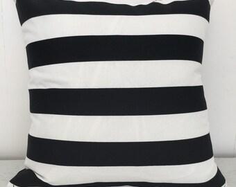 Zebra stripe indoor/outdoor cushion cover