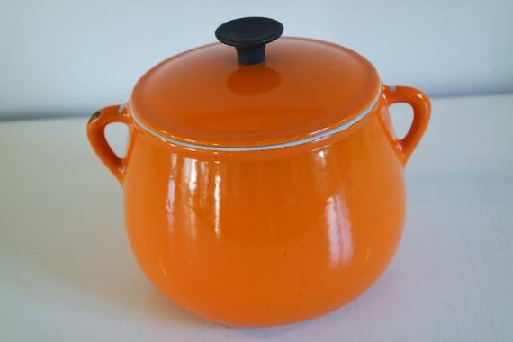 petite cocotte orange en fonte maill e cousances le creuset. Black Bedroom Furniture Sets. Home Design Ideas