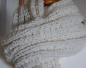 Luxury soft chunky warm winter white fleecy scarf in merino wool and alpaca mix yarn
