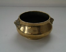 Vintage brass bowl / Brass container with interesting handles