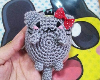 Kawaii Kitty with bow : Tamagotchi crochet cover, Tamagotchi crochet case, tamagotchi cover