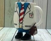Medico tazza regalo, regalo di laurea di dottore, tazza personalizzata per il medico, i medici studente assistente, medico, medico regalo, regalo medico divertente