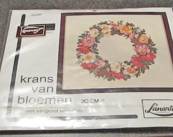 Lanarte  Counted Cross Stitch Kit 33281 Flower Wreath Red White Pink Green Diameter 20 cm Holland Dutch Craft