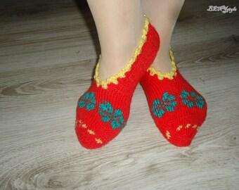 Handmade Women Slippers, Knitted Slippers, Women Shoes, House Women Slippers, Slippers Clovers, Red Women Slippers,