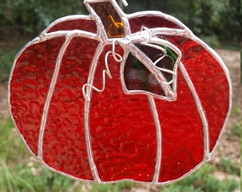 Stained glass pumpkin. Suncatcher, gift, home, decor, fall, garden, pumpkin, orange, Halloween, Thanksgiving