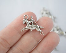 8 Pcs Knight Charms Horse Charms Pendants Antique Silver Tone 2 Sided 15x23mm - YD0602