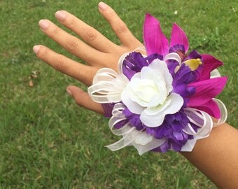 Purple corsage, Purple wrist corsage, Purple bridesmaid, Mother of the bride corsage, Bridesmaids corsage, Wedding bridesmaids, Prom corsage