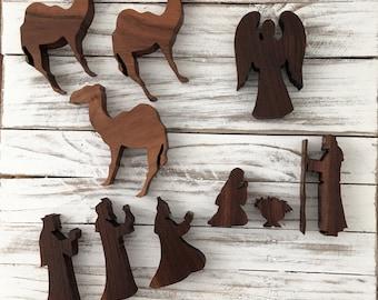 Miniature Wood Nativity Set (10 Pieces)