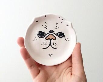 Ceramic cat dish - white with cream nose