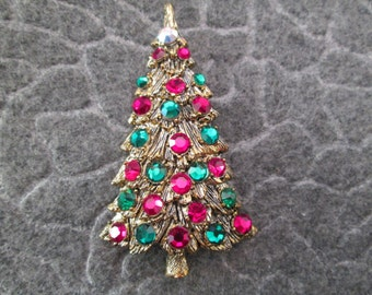 HOLLYCRAFT Christmas Tree Brooch/Pin>> Vibrant red & green rhinestones>>vintage 1950's>>never worn, new old stock