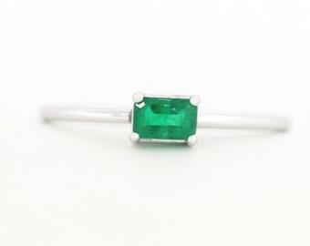Green Emerald Engagement Ring, Emerald Engagement Ring, Green Emerald Ring, Green Emerald Shape Engagement Ring, 14K Engagement Ring