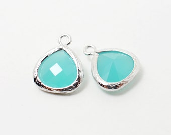G002208/Mint/Rhodium plated over brass/Small teardrop faceted glass Pendant/11x13mm/2pcs