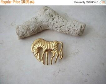 ON SALE Vintage Gold Grazing Zebra Pin 82116