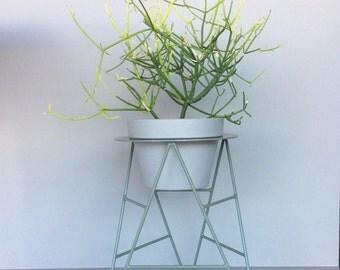 T-Planter Plant Stand 'Pale Eucalypt'