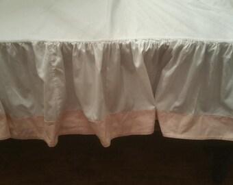 Bedskirt - White Bedskirt - Pink Bedskirt - Vintage Bedskirt - Full Bedskirt - White And Pink Bed skirt - Dust Ruffle - Bed Skirt - Bedskirt
