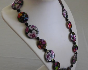 Flower Disc Bead Necklace