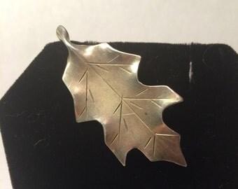 Vintage sterling silver Oak leaf brooch
