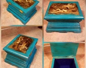 Vintage Pinup Keepsake or jewelry box