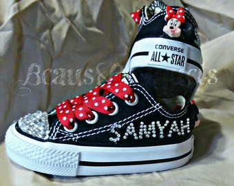 Personalized Minnie mouse character converse infant (1-7)