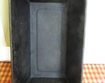 VINTAGE bread plate black very old VINTAGE Bread Mold Vintage 1940 bread cast Black Metal steel VTG bread for Decoration