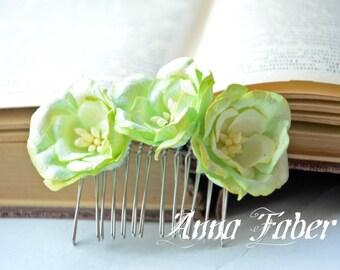 Green Flowers Hair Comb, Green Wedding Hair Comb, Floral Bridal hair comb, Bridesmaid Hair Comb, Flower Girl Comb