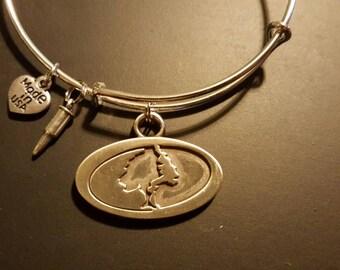 Mossy Oak bangle bracelet with bullet charm, silver