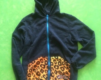 Gray fleece hoodie with leopard print pockets