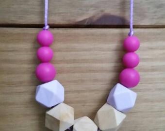 Silicone and wood teething necklace, breastfeeding, babywearing, nursing jewellery FREE UK POSTAGE