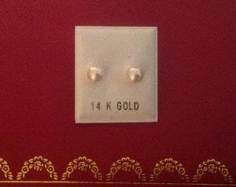 14K Gold Cultured Pearl Studs...6mm