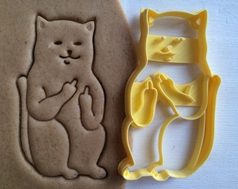 cc0123 Cookie Cutter Cat with middle finger sceptical cookiecutter cookies custom shape custom size custom picture mature