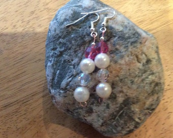 Dangle earrings with pink and white swarovski crystals