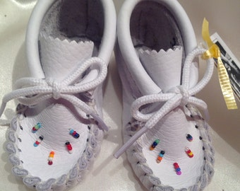 White leather babies mocassins Authentic native product