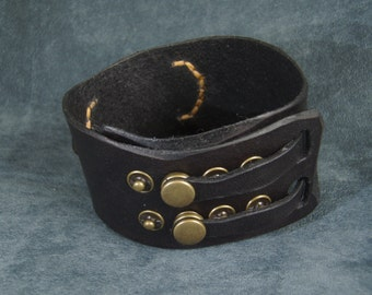 Leather cuff black and tan