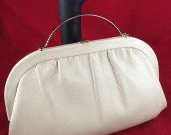 Vintage cream leather handbag