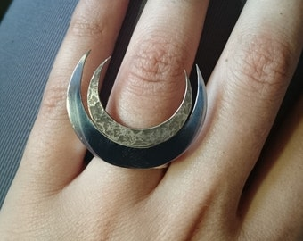 Double moon ring - smooth and textured