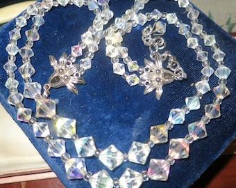 Beautiful vintage 1950s 2 strand aurora borealis crystal necklace