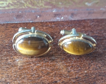 Oval Gold Tone  Cufflinks                                                                                                         .