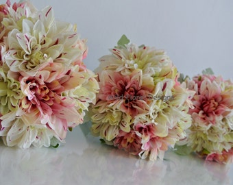 Bridesmaid bouquet pink & ivory Dahlia