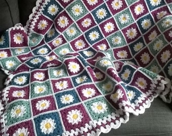 Crocheted Daisy Square Blanket