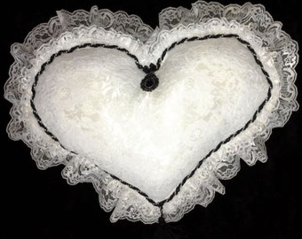 Victorian Heart-Specialty Pillow-FREE shipping until the end of February