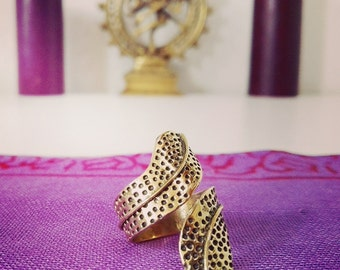 Adjustable brass Dotwork ring