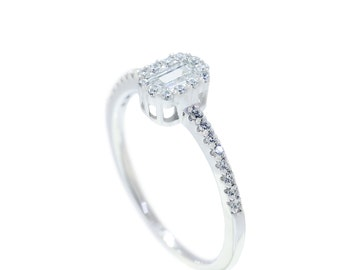 925 Sterilng Silver Emerald Cut Solitaire with Accents Ring 0.53 CT.TW (S70)