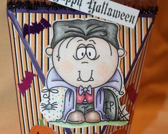 Self Closing Halloween Treat Box
