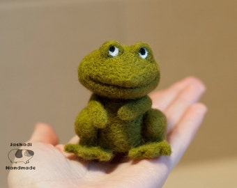 Needle Felted frog, handmade animal, frog doll, small size frog- ready to ship - feltanimals