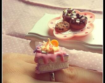 Cream Cake Ring