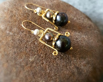 Handmade antique allure natural black pearls earrings, for her, gift, anniversary gift, statement earrings, freshwater pearls 20140