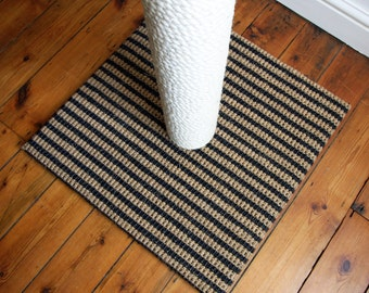 Cat Scratching Post: Wide Base Bali Wave