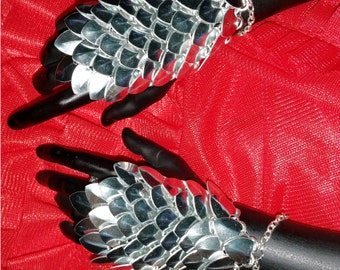 SSD BJD Silver Scale Maille Slave Bracelets - Ball Joint Doll Jewellery - Scale Armor/Armour - 70cm - 80cm - fingerless glove